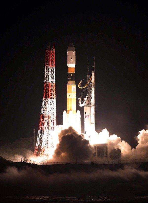 日本擬送婚禮留言板上太空