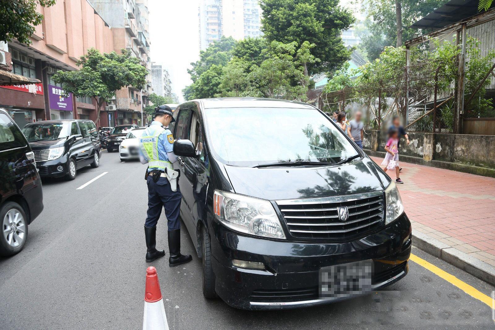 警方一周內檢控526宗道路違規行為