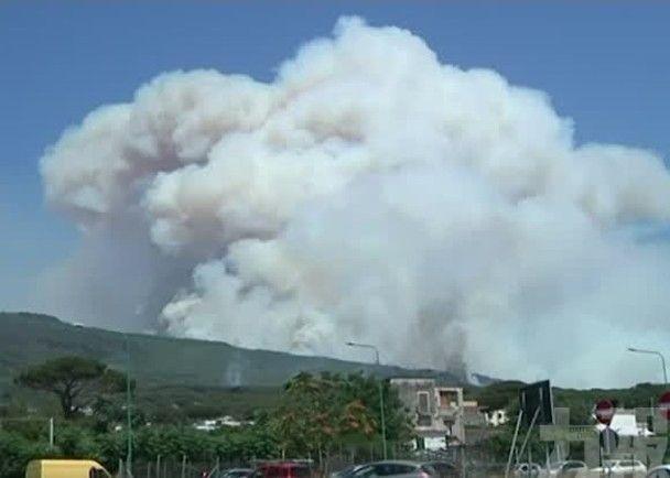 意大利南部山火不斷 至少1死