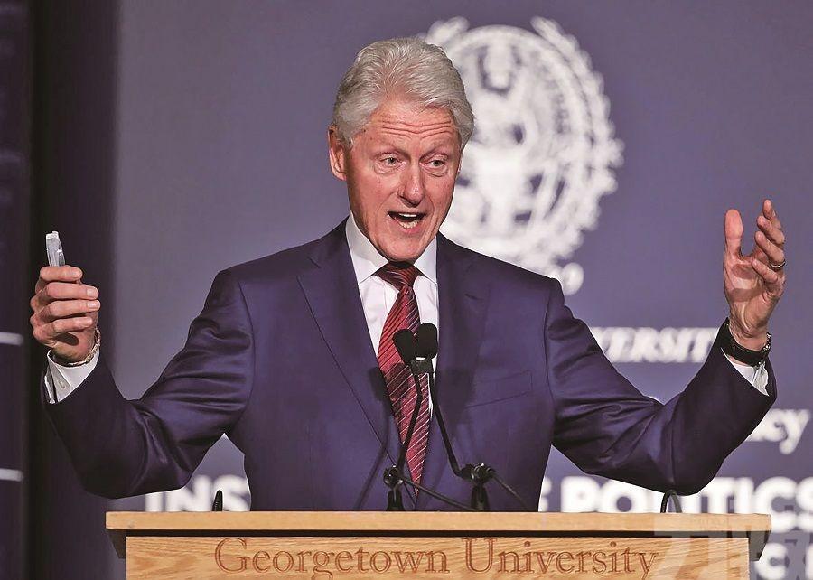 特朗普轉推「克林頓陰謀論」
