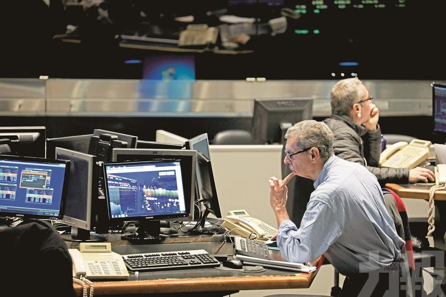 滙率狂眨三成六 阿根廷股匯崩圍
