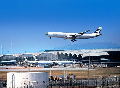 香港機場8月客運量跌逾12%