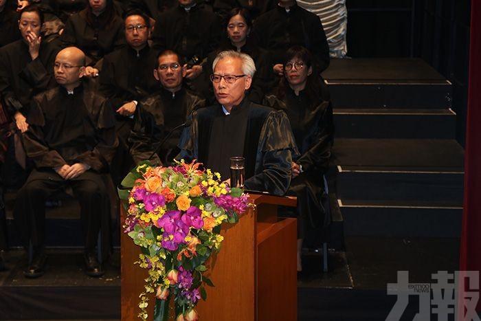 岑浩輝:明年將完成內地司法培訓