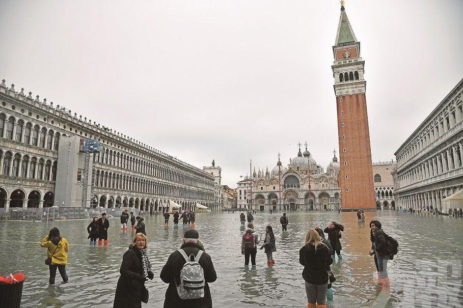 威尼斯聖馬可廣場變泳池