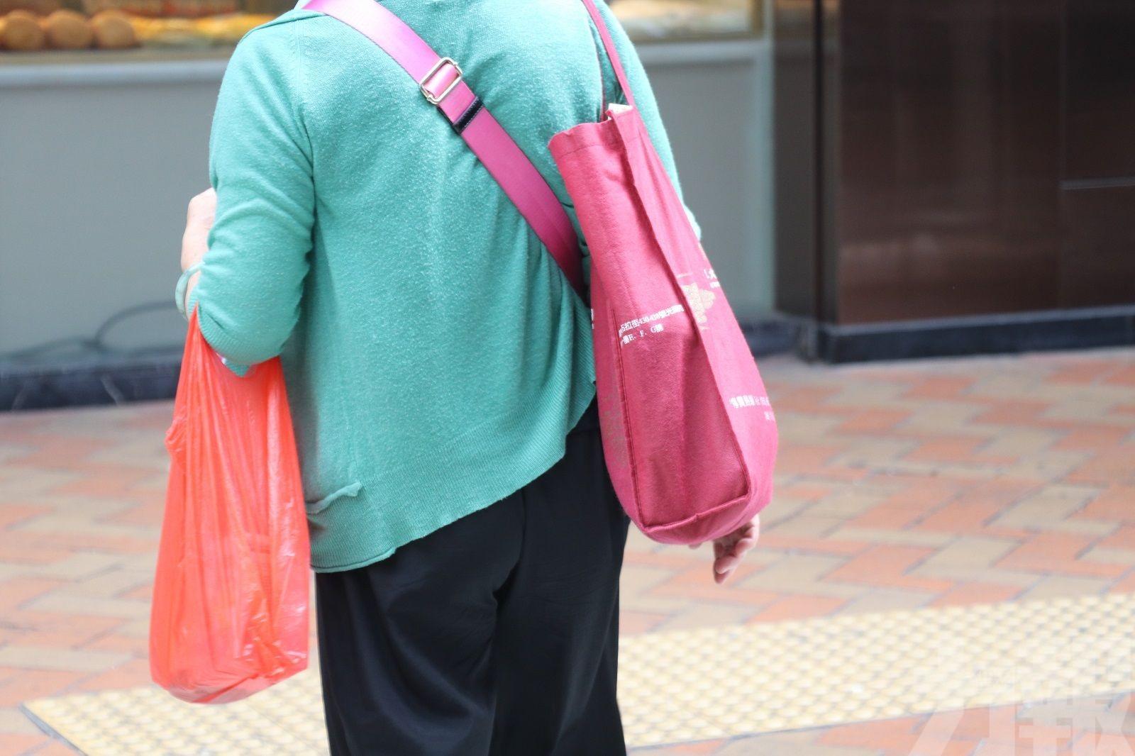 膠袋收費正式生效