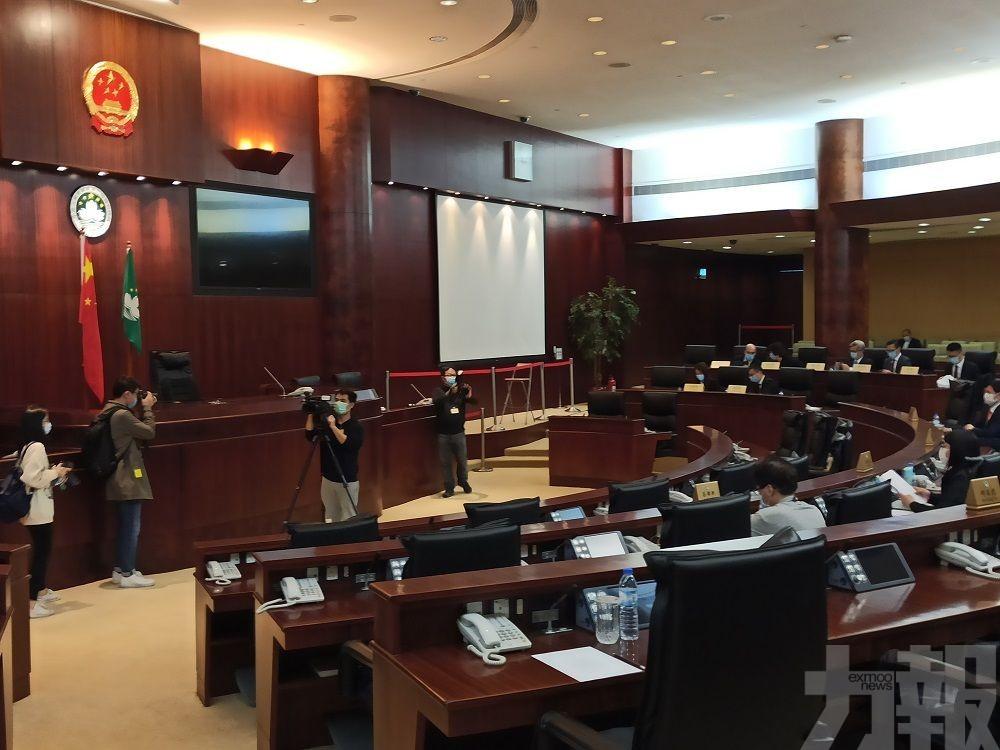 何潤生:法官監管不會秘密查閱