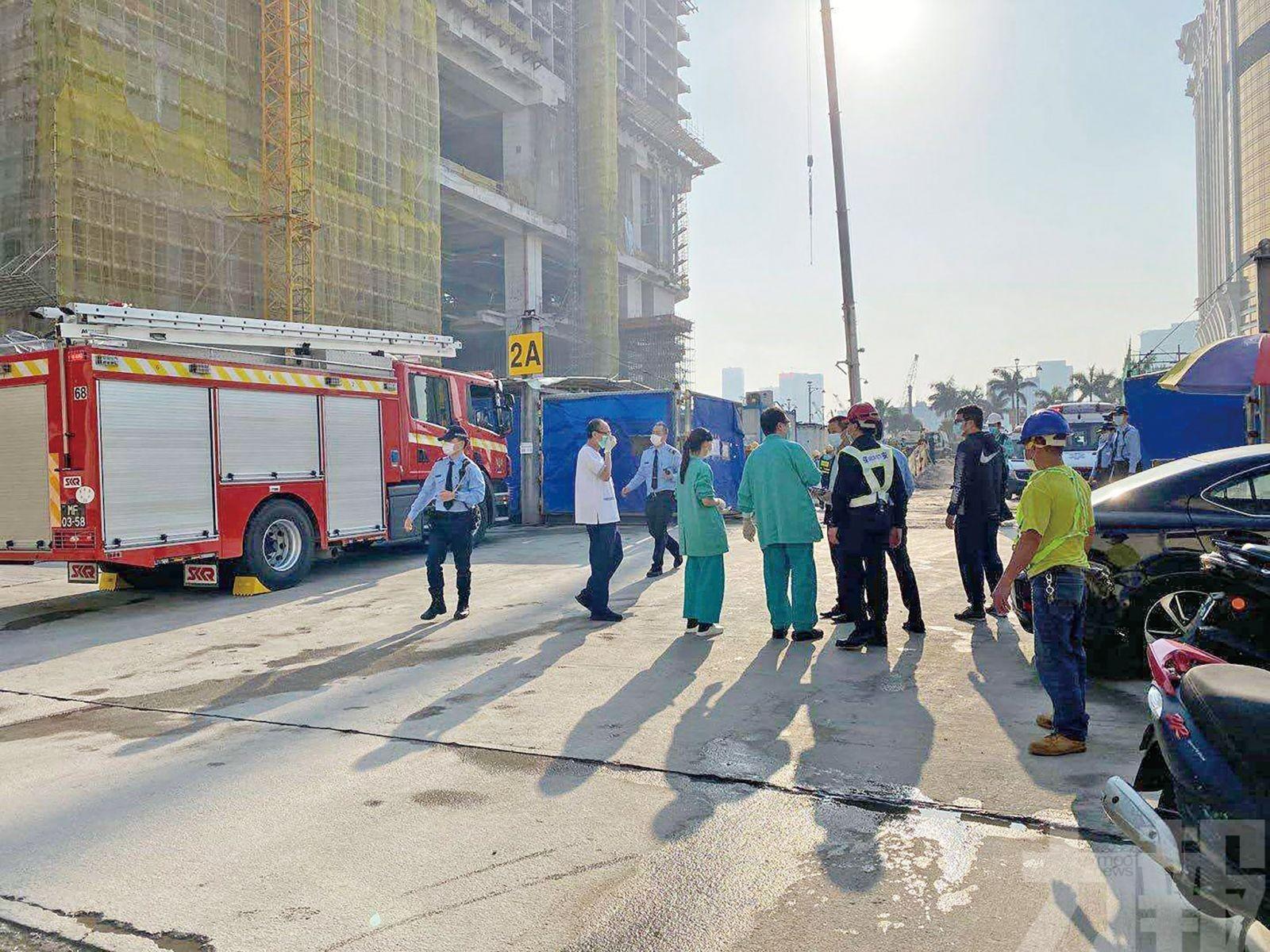 路氹一地盤棚架倒塌 外僱工人三死四傷