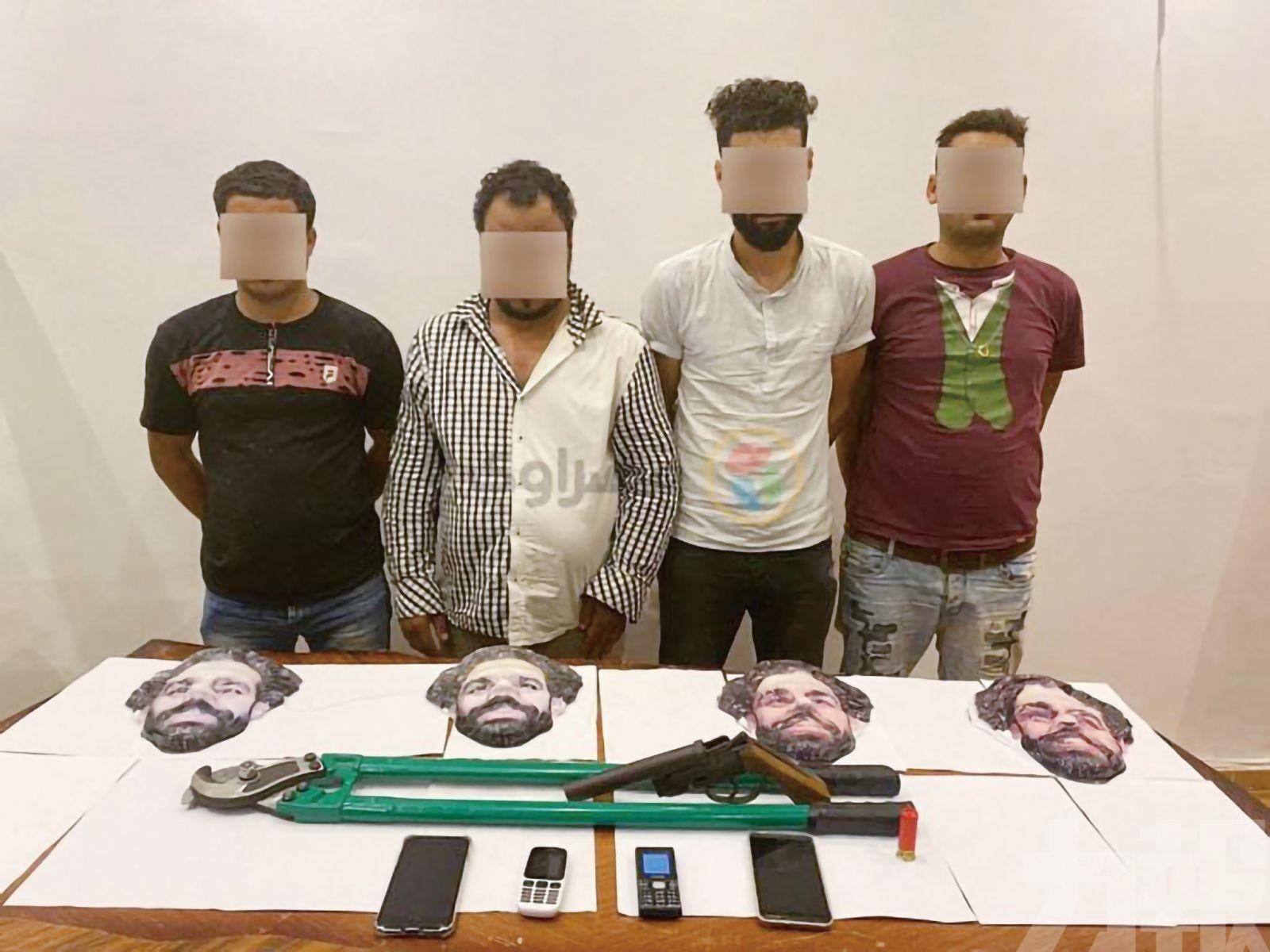 埃及賊人戴沙拿面具犯案被捕