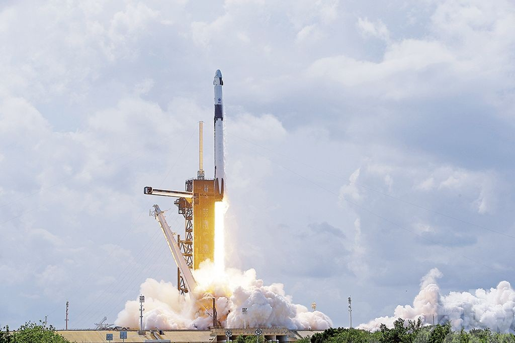 美國相隔九年重返太空