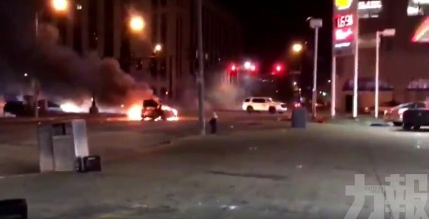 密蘇里州爆警民槍戰