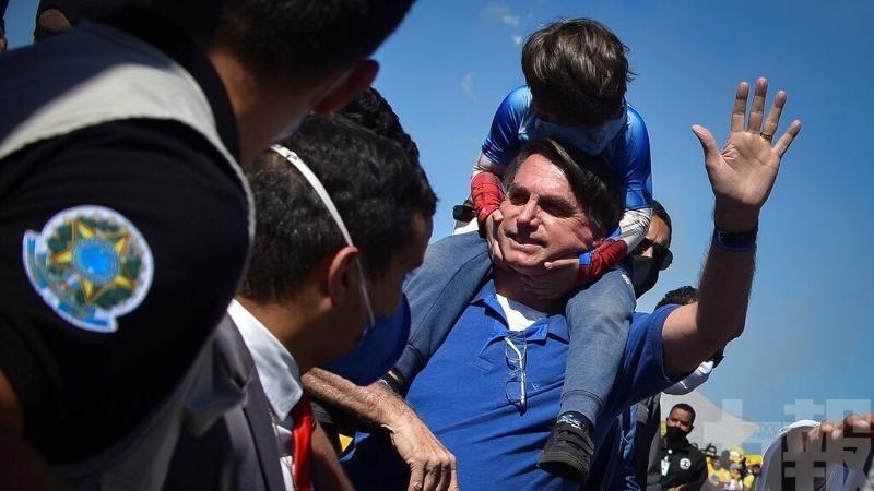 巴西總統威脅要退出世衛
