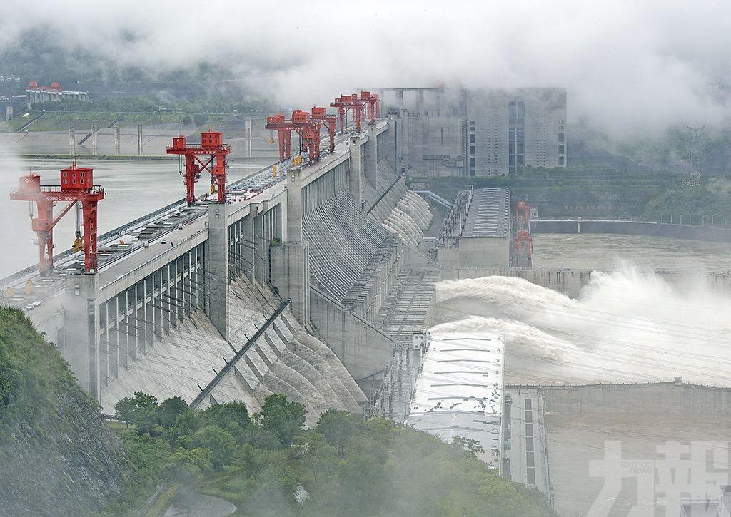 三峽大壩洩洪防汛