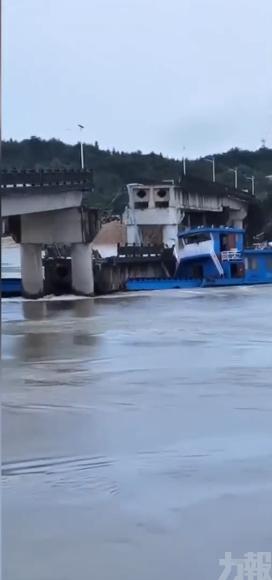 有片!江西運沙船失控撞橋墩