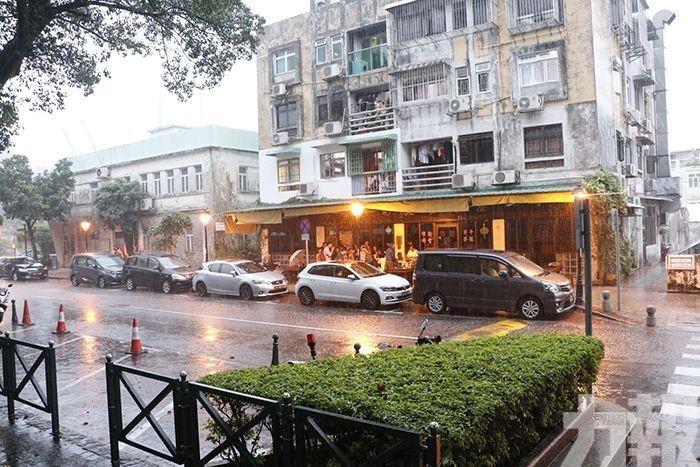 氣象局料今持續大雨
