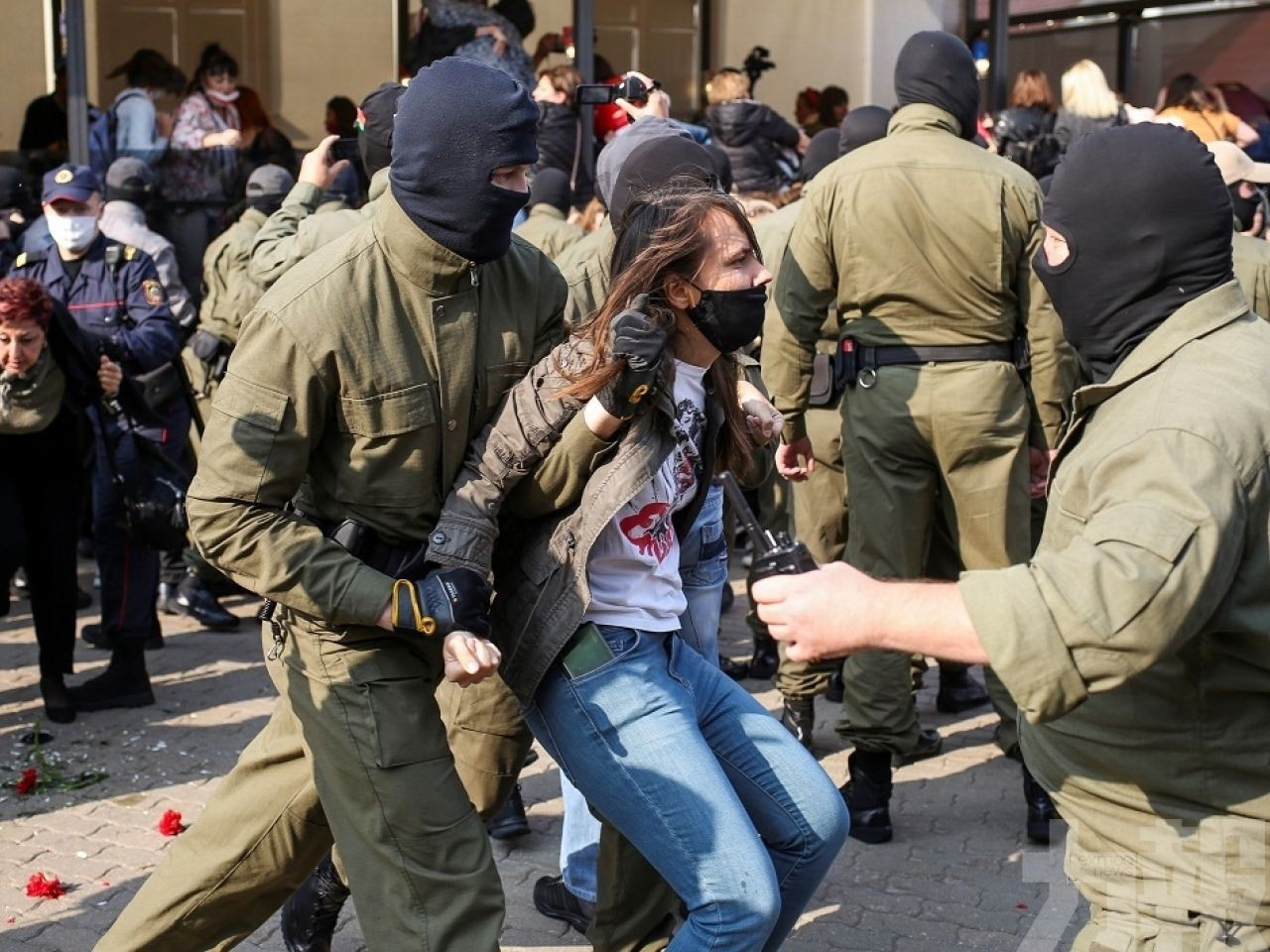 政府稱逾400人被扣留