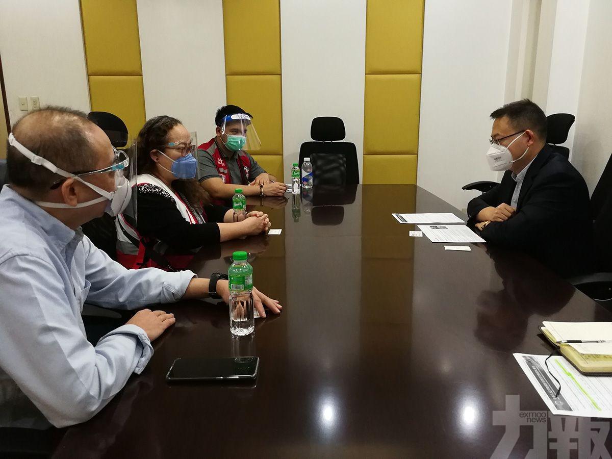2名中國患者順利登機 由菲律賓返國