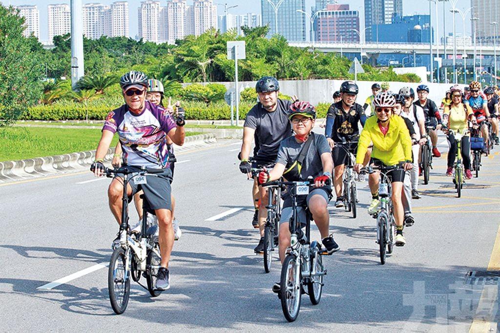 逾300市民參與大眾單車遊活動