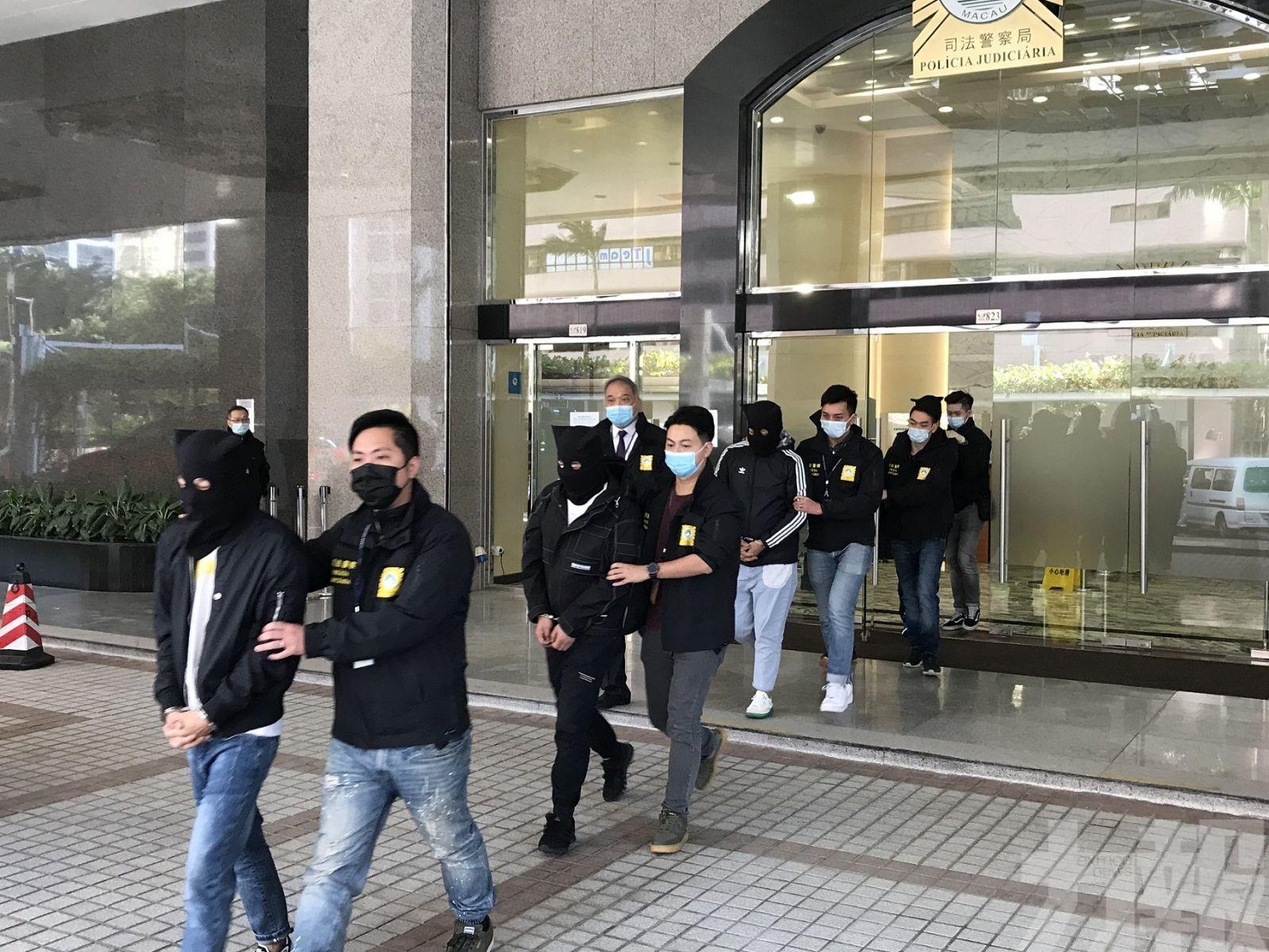 反遭五名內地男酒店禁錮毆打半日