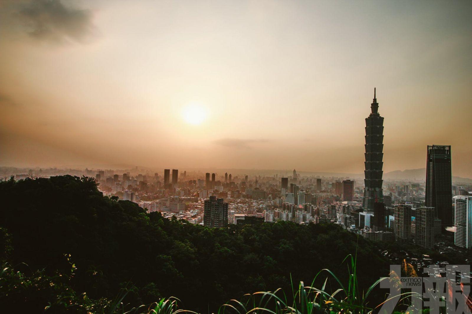 台灣下月起放寬境外人士入境