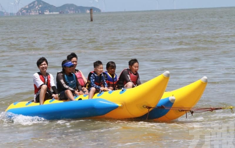 多項水上活動及遊戲供市民參與