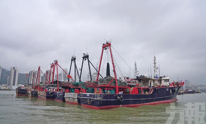 海事局聯同多部門訪漁民宣傳雙防意識