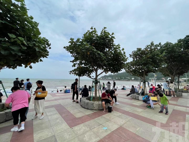 五一假期市民旅客熱追郊遊