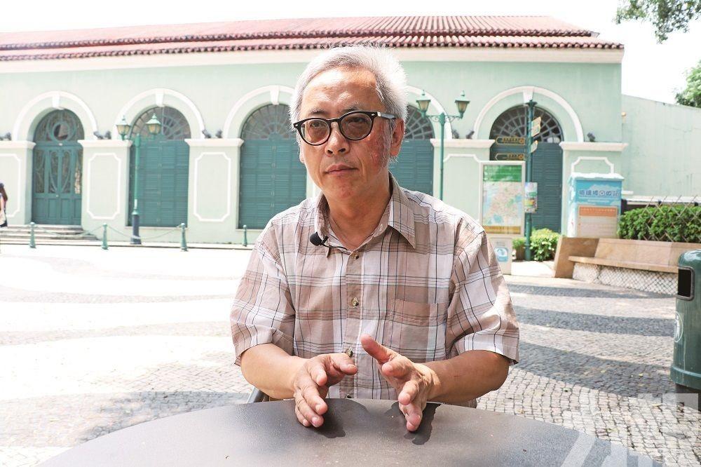 蔡梓瑜:老師被add入群 隨時覆到12點