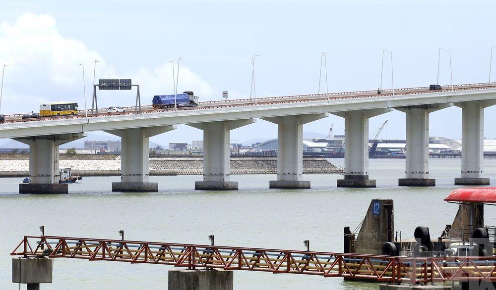 友誼大橋結構維修工程完工