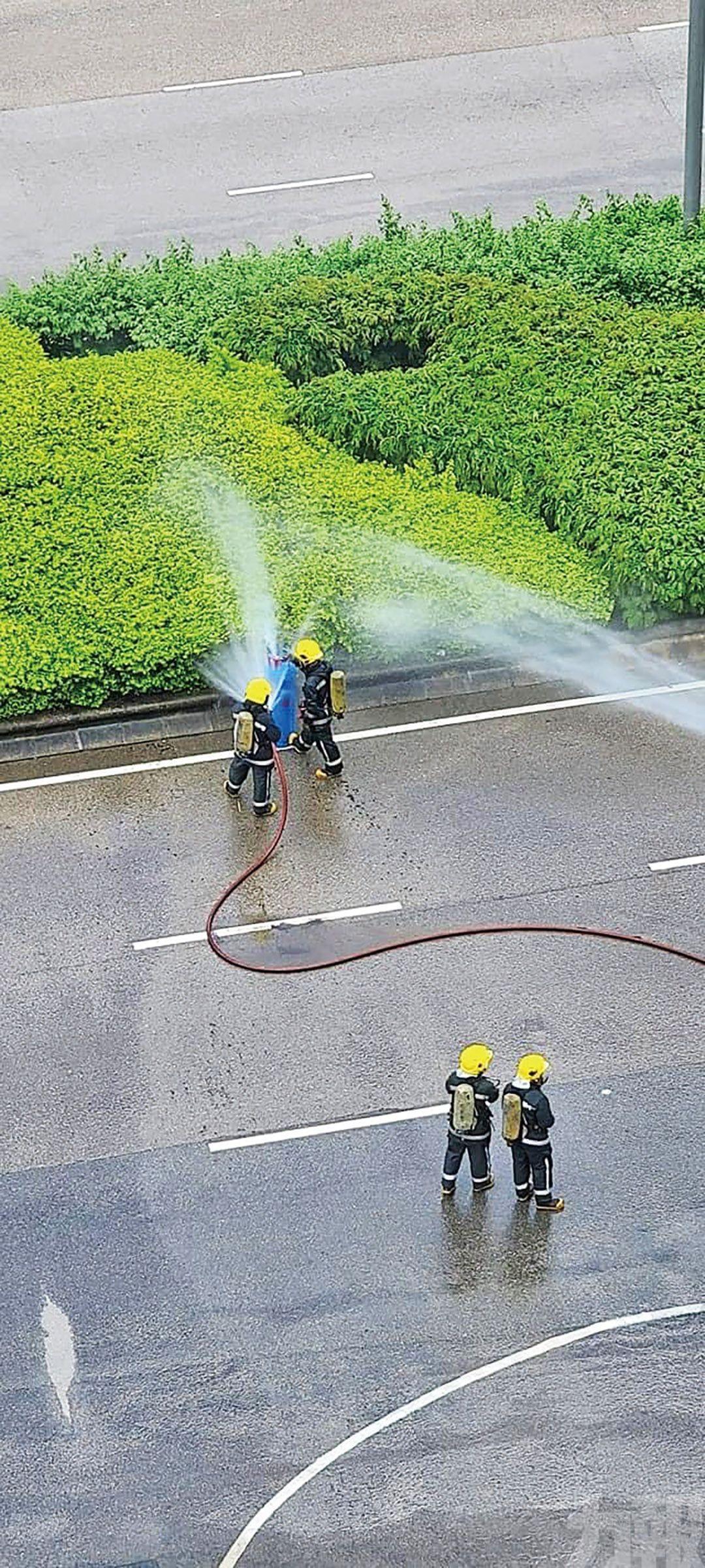 消防降溫 金光大道一段封閉逾兩小時