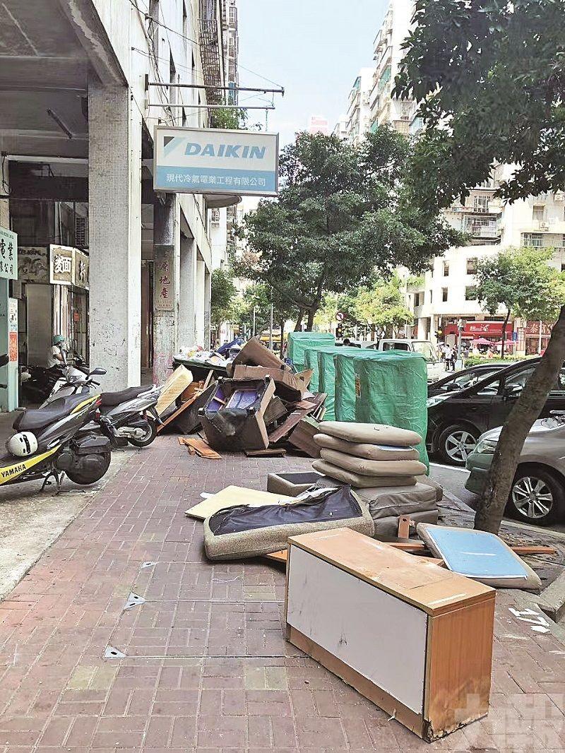 破垃圾圍城 大型垃圾隨街棄置需雙管齊下