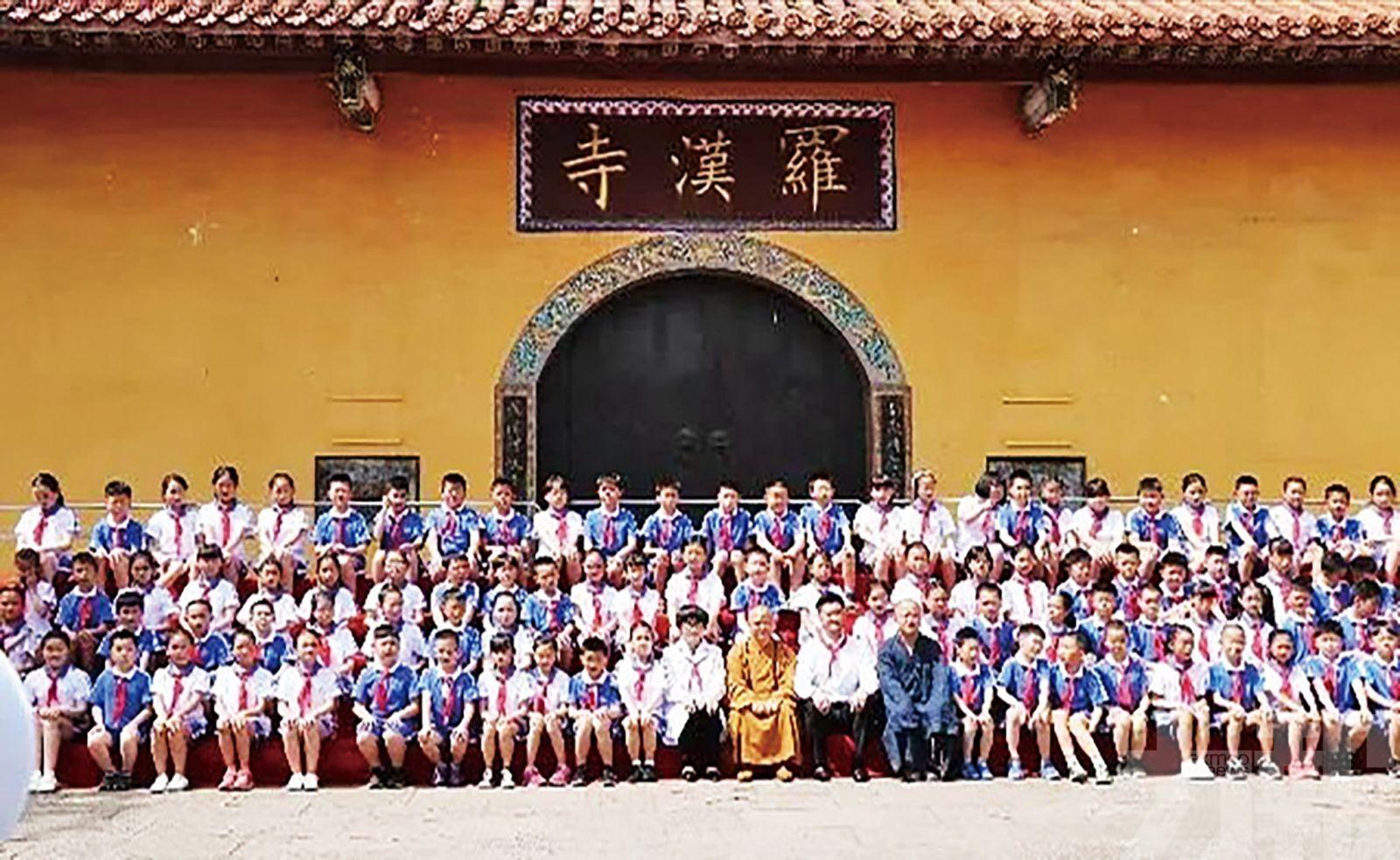 108「 羅漢娃 」寺廟降生