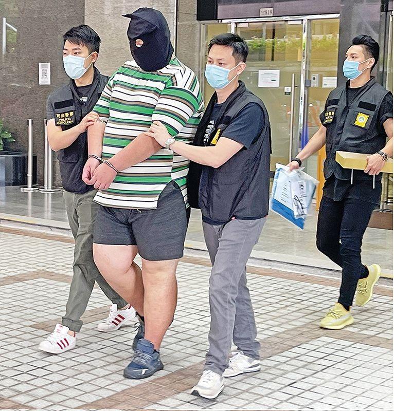 持刀架頸劫女子六小時後被捕