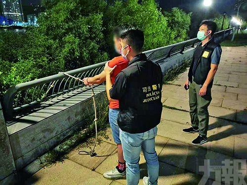 警破越南人蛇集團