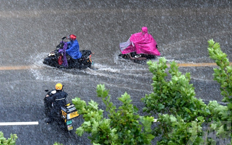 河南省極端強降雨 多地雨量破紀錄