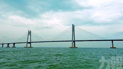 港珠澳大橋橋樑航道封閉