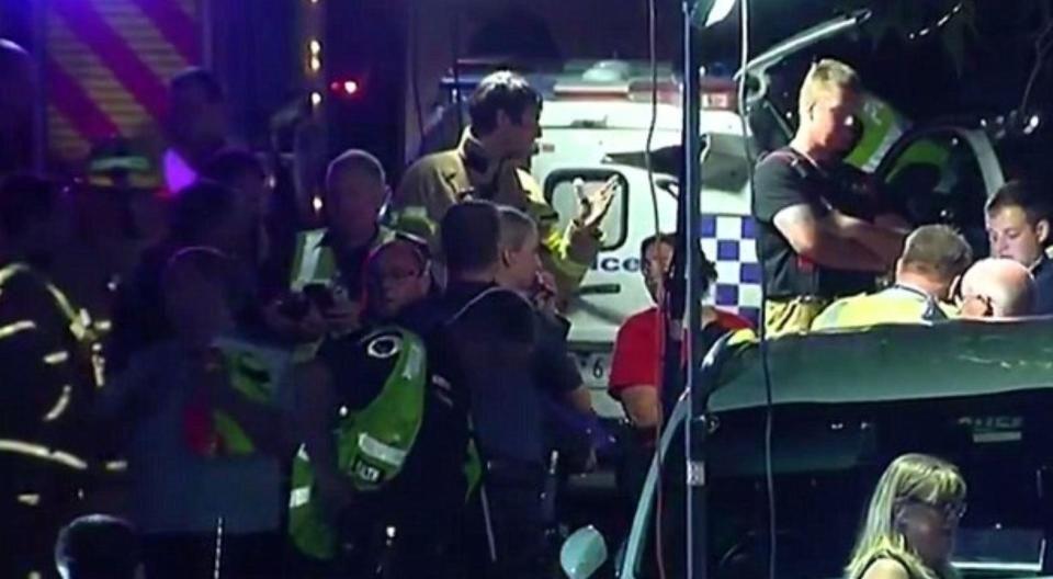 露台拍照時倒塌 兩死17傷