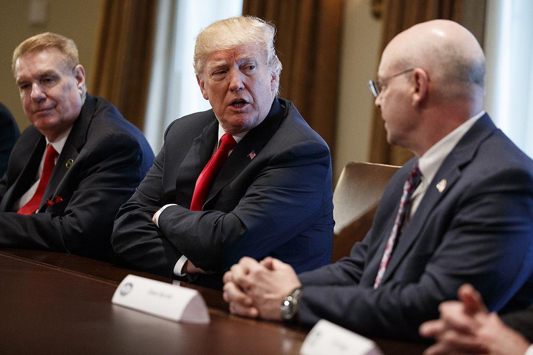 特朗普宣布下周起向入口鋼鋁徵重稅