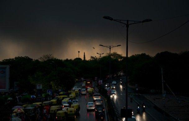 狂風沙塵雷暴襲印度逾40死