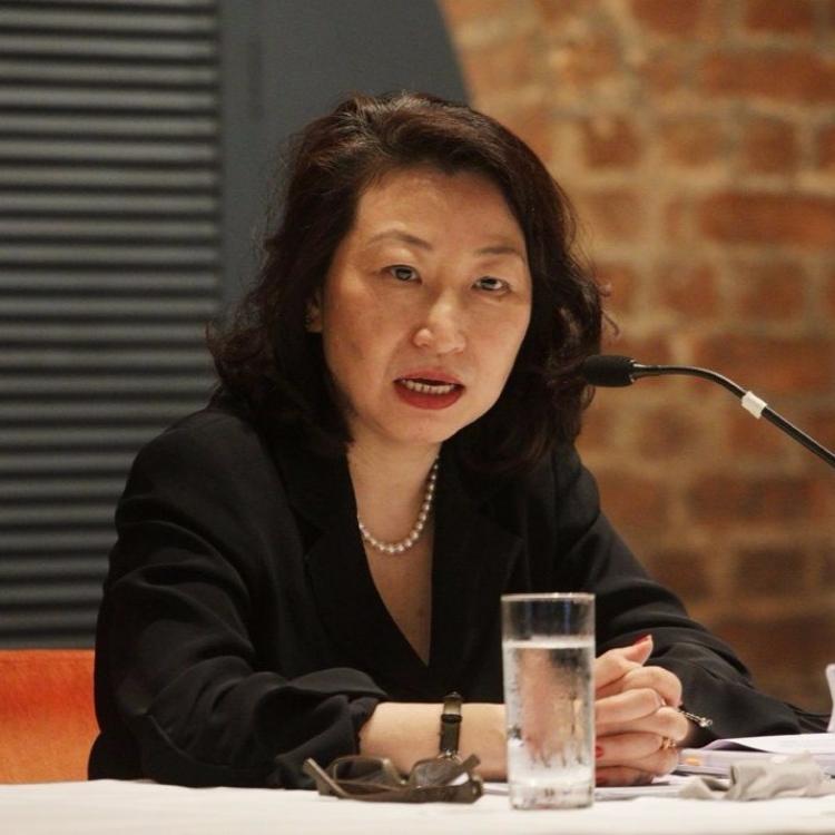 國務院任命鄭若驊接任香港律政司司長