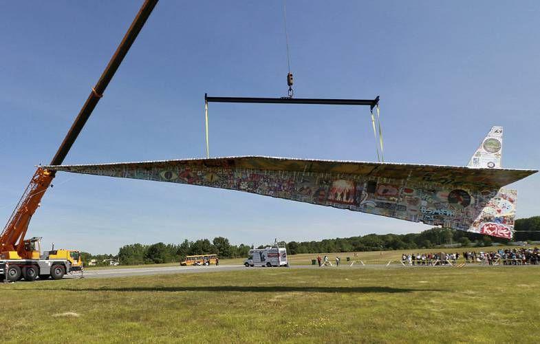 耗時三年 製全球最大紙飛機