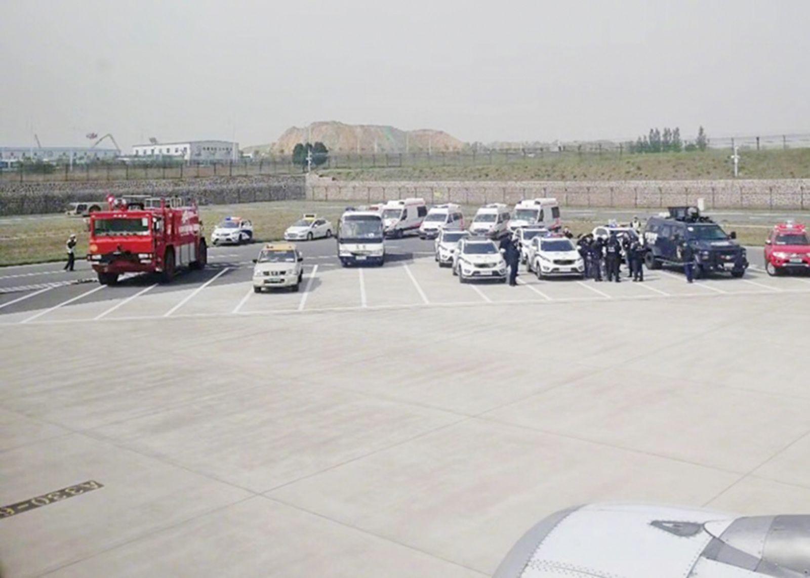 國航客機急降鄭州