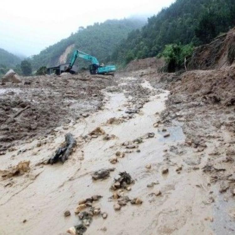 越南暴雨成災增至15死11失蹤