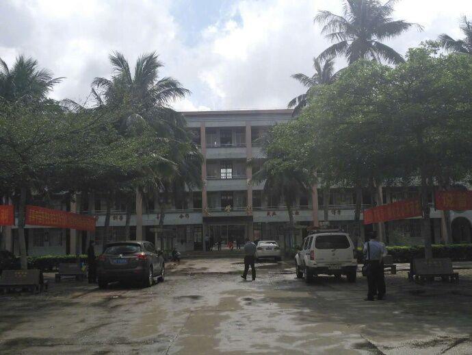 傷五學生後被捕