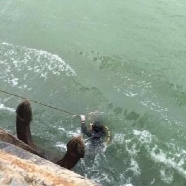 一艘貨船沉沒 12人失踪