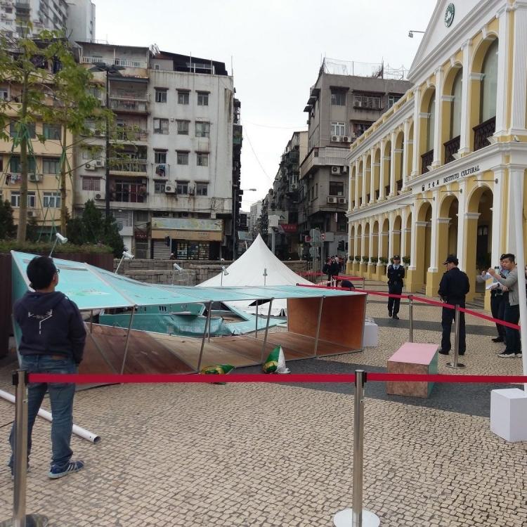 文化局密切跟進塔石廣場受傷旅客情況