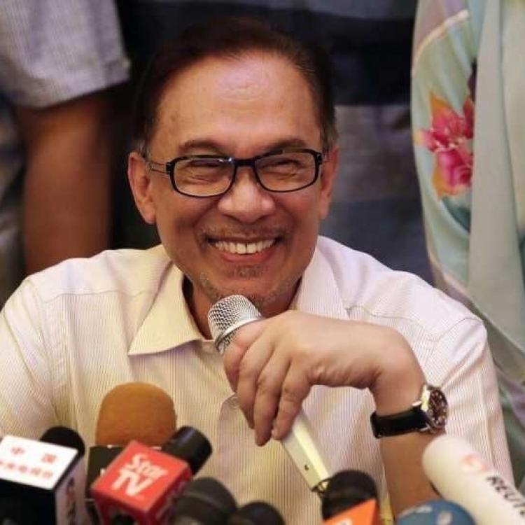安華強調全力支持馬哈迪施政