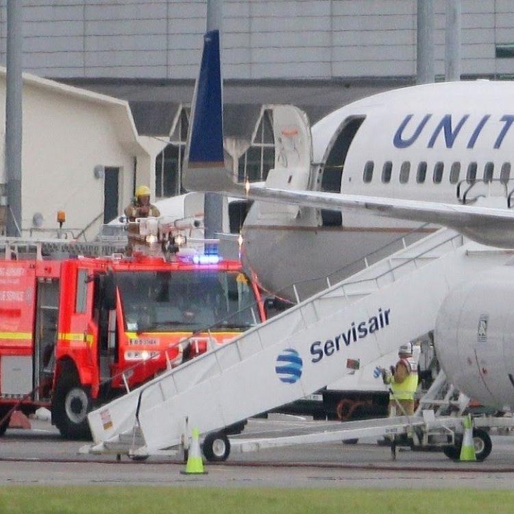 美聯航客機接炸彈威脅 迫降愛爾蘭