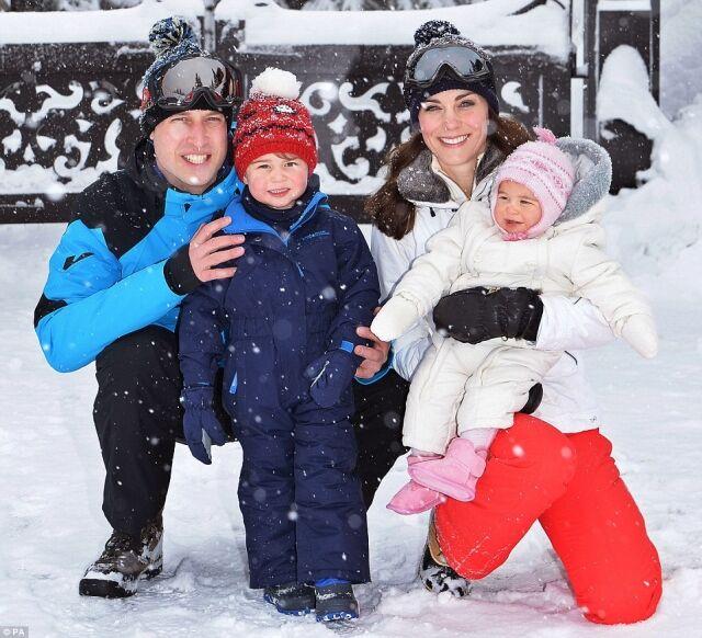 威廉一家四口開心玩雪