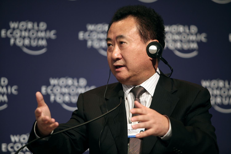 王健林再超李嘉誠成華人首富