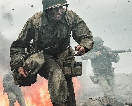 《鋼鋸嶺》重現戰場上的和平夢